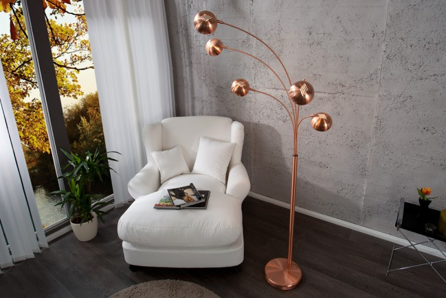 Stlowa nowoczesna lampa podłogowa Five Lights miedziana