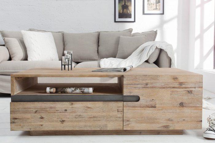 Masywny stolik kawowy Wotan z wapnowanego drewna akacjowego
