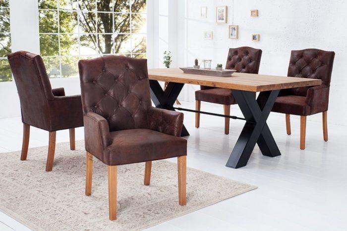 Eleganckie krzesło z podłokietnikami CASTLE brązowe z serii Chesterfield