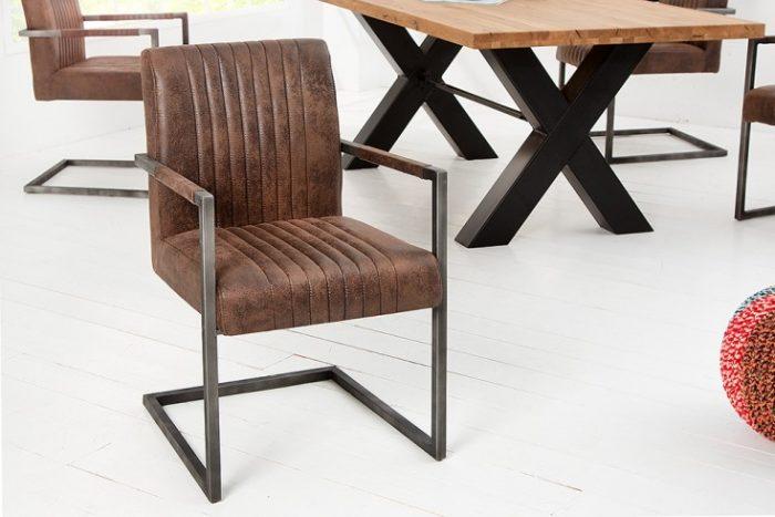 Krzesło BIG ASTON na płozach  brąz z podłokietnikiem
