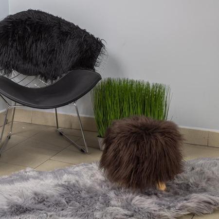 Podnóżek do salonu taboret futrzany stołek brązowy