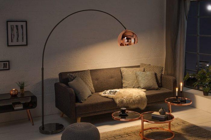 Chromowana lampa podłogowa Lounge Deal różowe złoto