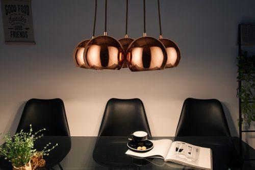 Elegancka lampa wisząca PERLOTTA w kolorze różowego złota 5 kul