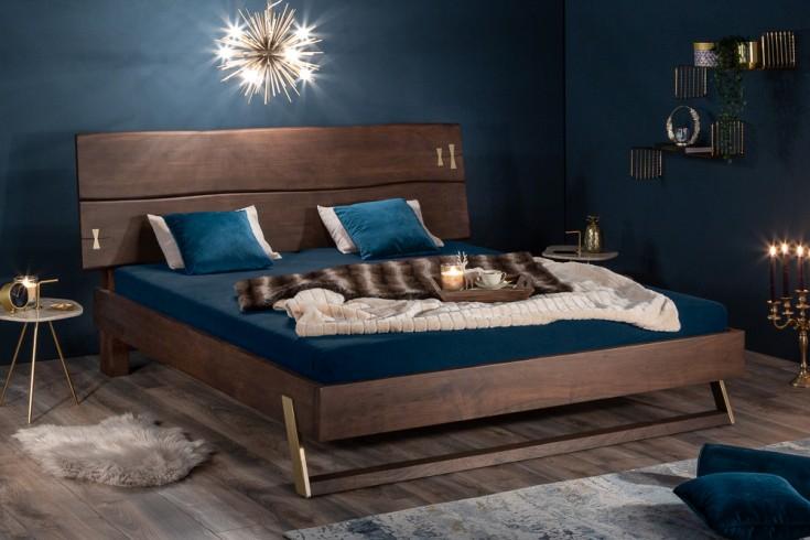 Łóżko z litej akcji MAMMUT 180x200 cm sypialnia