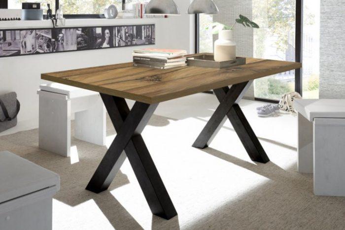 Industrialny stół do jadalni MONTREAL 160 cm dąb z czarnymi nogami X