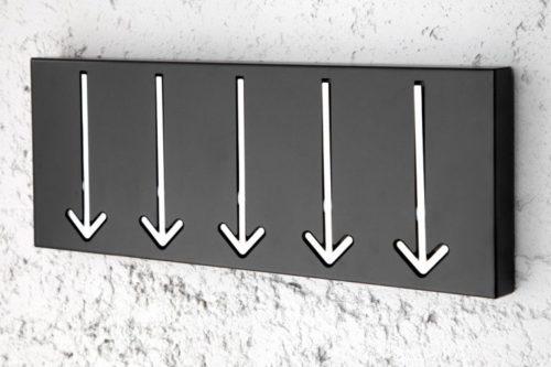 Wieszak ścienny ARROW 45 cm czarny z 5 wieszakami