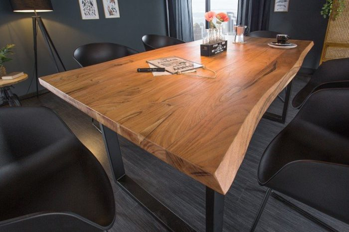 Masywny stół do jadalni z akacji MAMMUT 160
