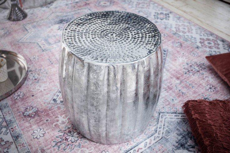 Ręcznie wykonany stolik boczny MARRAKESCH 42cm srebrny